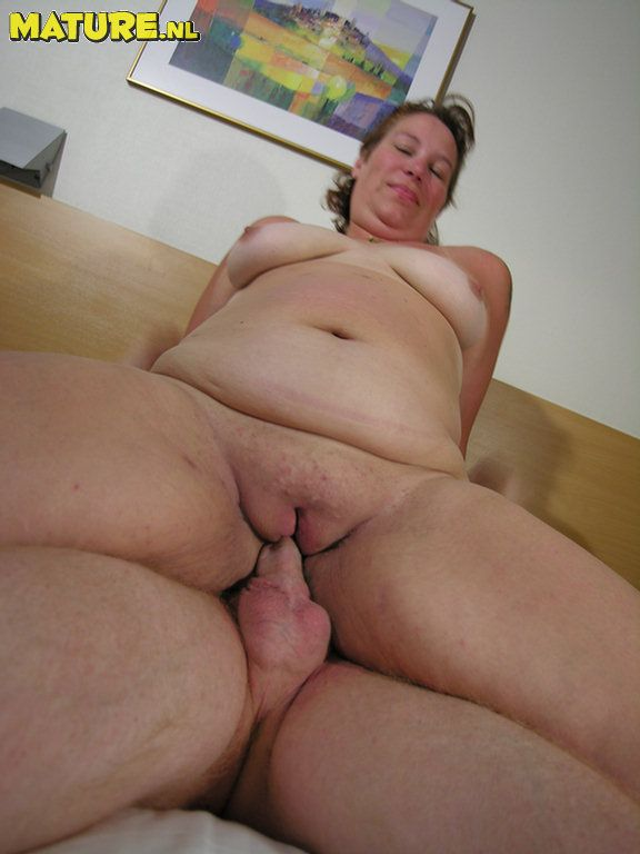 Hot Chubby Women - Picture Galleries - Sexy Chubby Women