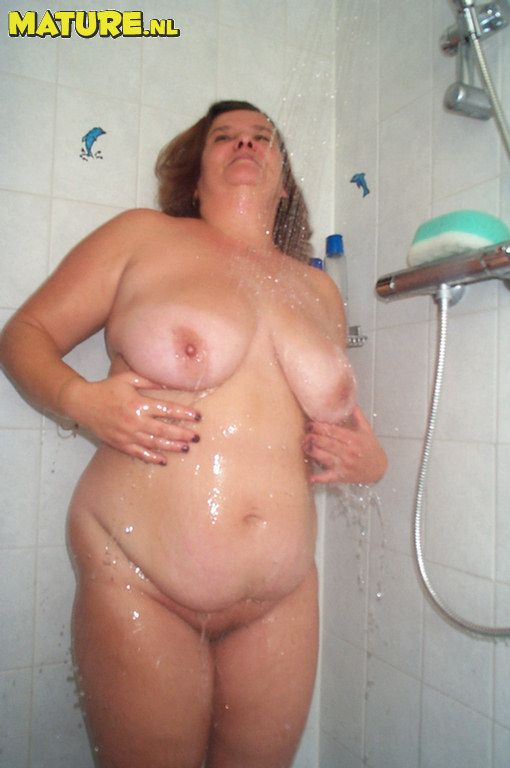 Question Ur!!!! old grannies pussy in shower something