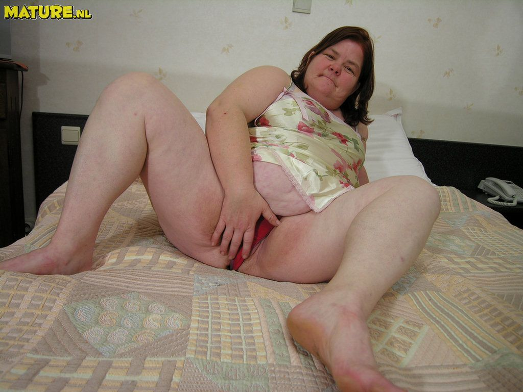 Amateur wife ass fuck and creampie  XVIDEOSCOM