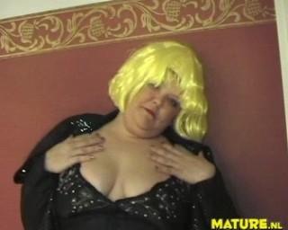big chubby mature slut getting off on a fist