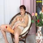 mature plumper sucks the cock