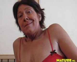 Hot mature slut playing and sucking cock