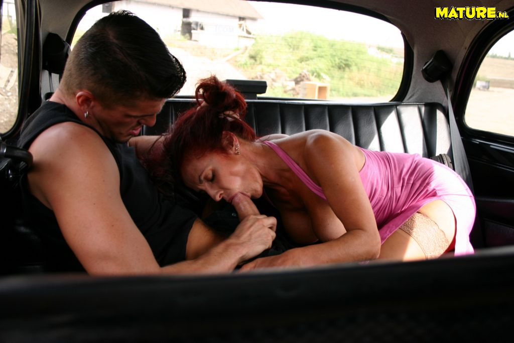 brüste kneten sex in taxi