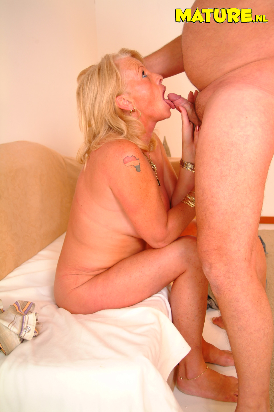 Share older women getting fucked hard