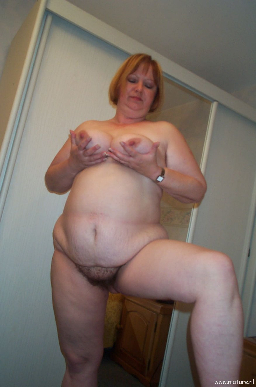 Black bbw milf showing body