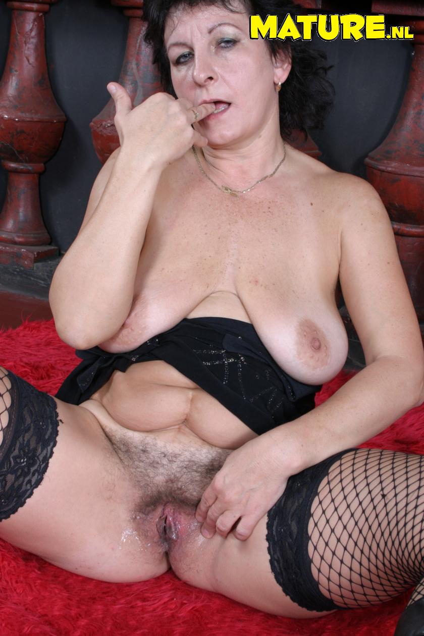 Старая порно тетка 22 фотография