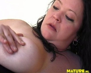 Mature chubby slut playing with herself