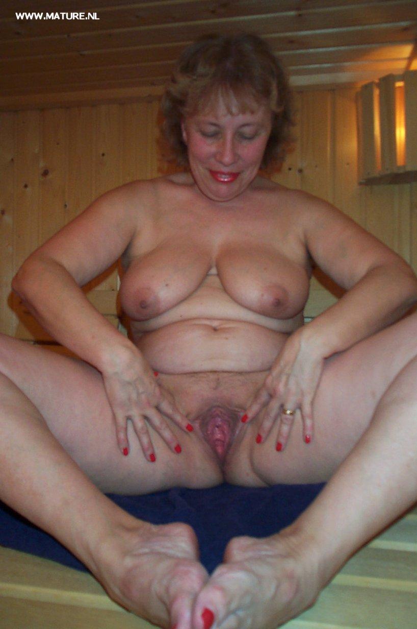 Mature Slut Pleasing Herself In The Sauna From Nl