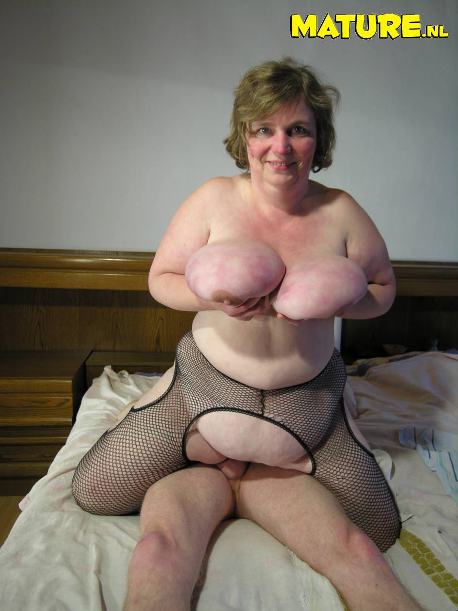 Chunky mature ass