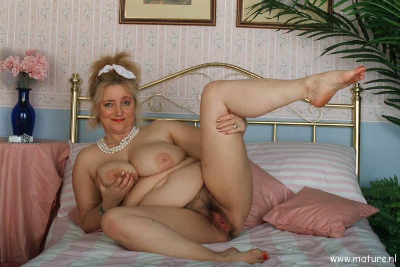 Порно старушки толсмтушки