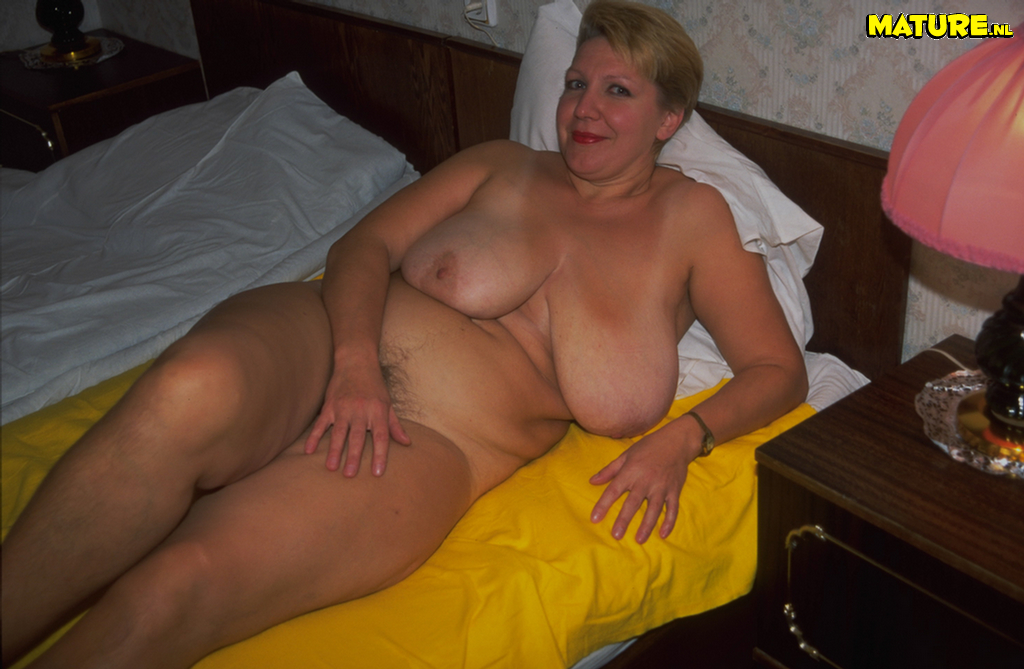 Final, mature housewife showing off big knockers here
