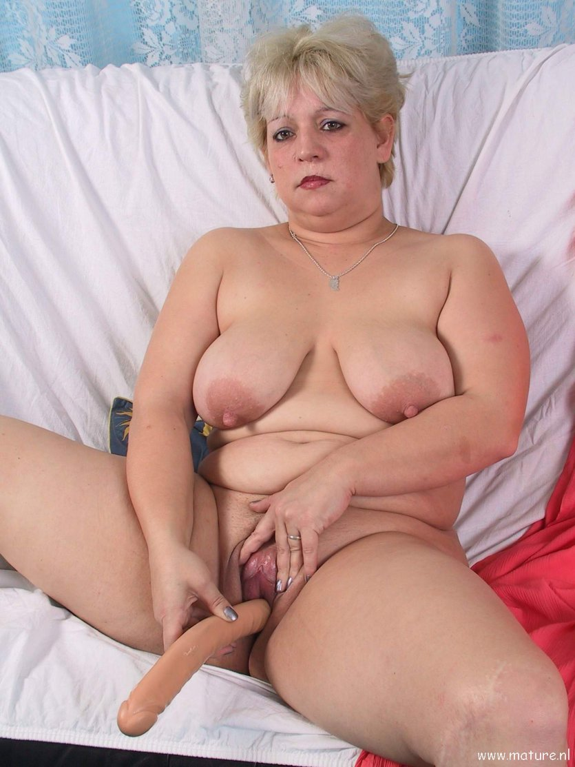 Mature granny slut blonde