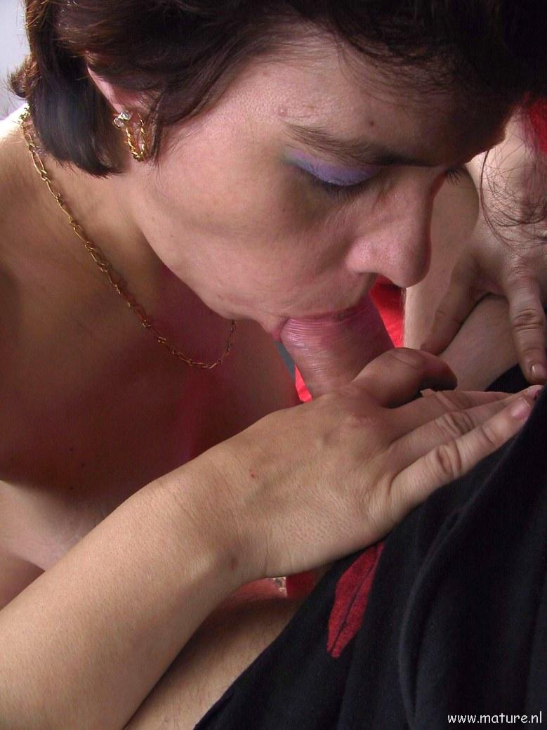 Horny slut sucking cock and gets creamed 10