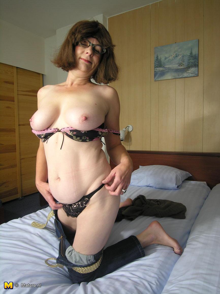 miranda cosgrove naked hot ass