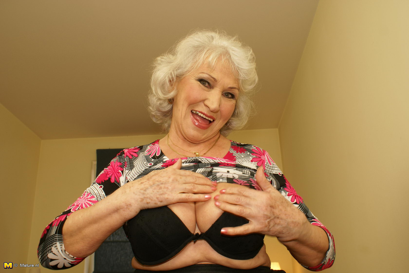 Granny loves to get nasty sorry