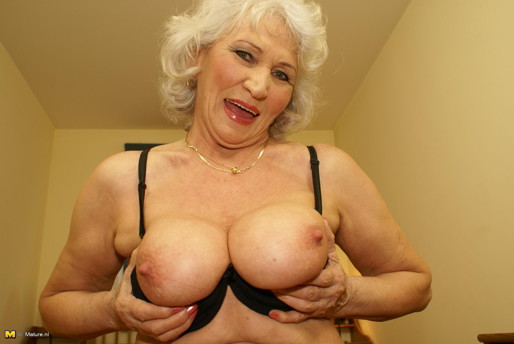 Granny loves to get nasty