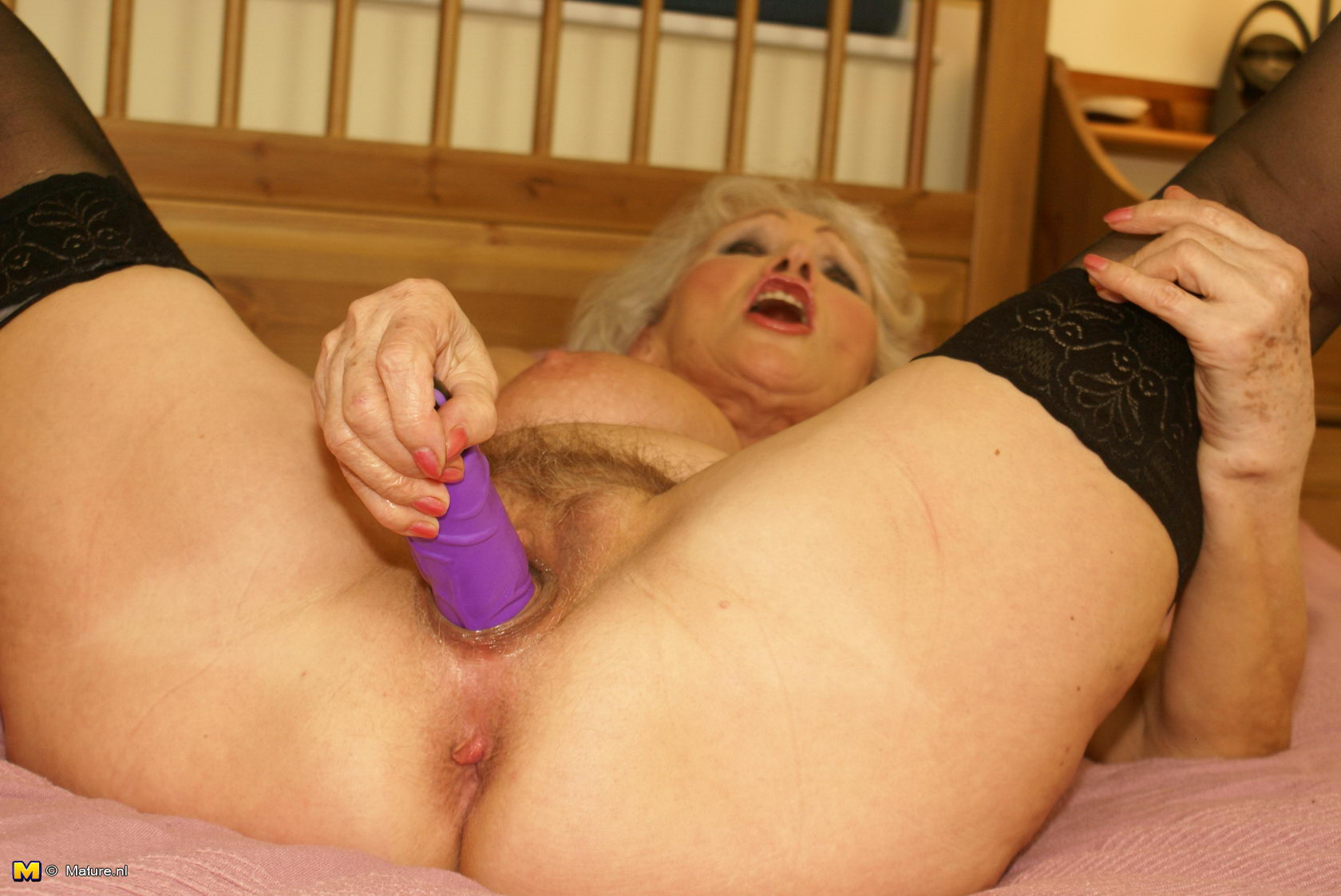 Very Granny loves to get nasty