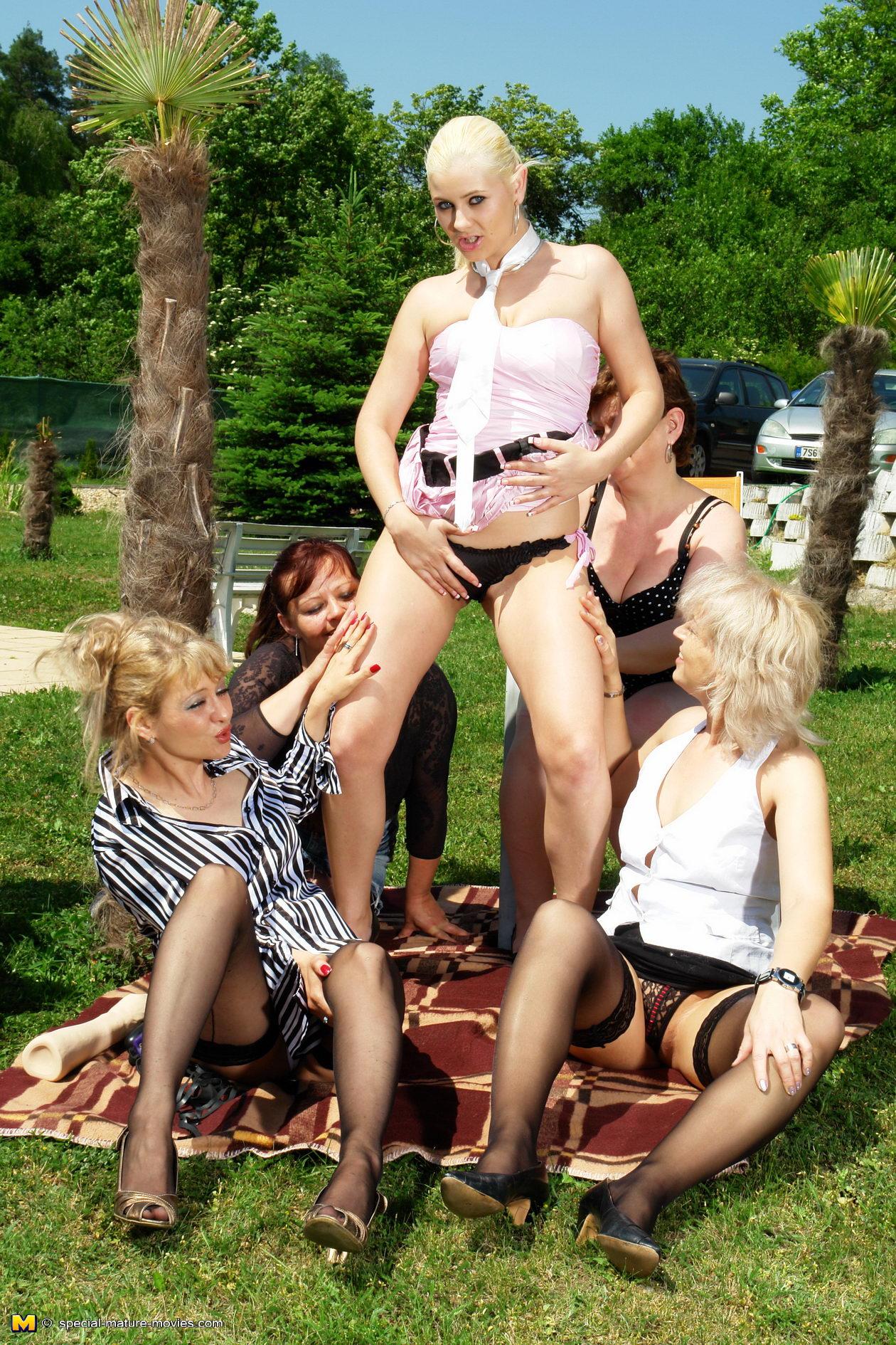 [女同]◆※女人不需要男人※系列◆騷貨,大陰唇肥大 [16P]