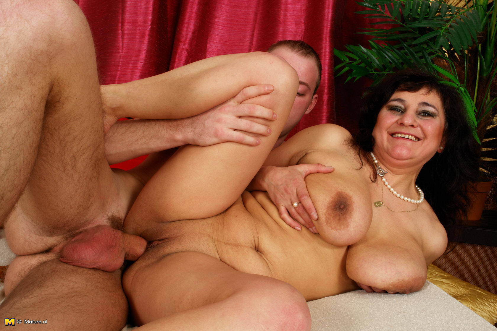 image Two chubby matures pleasing one man