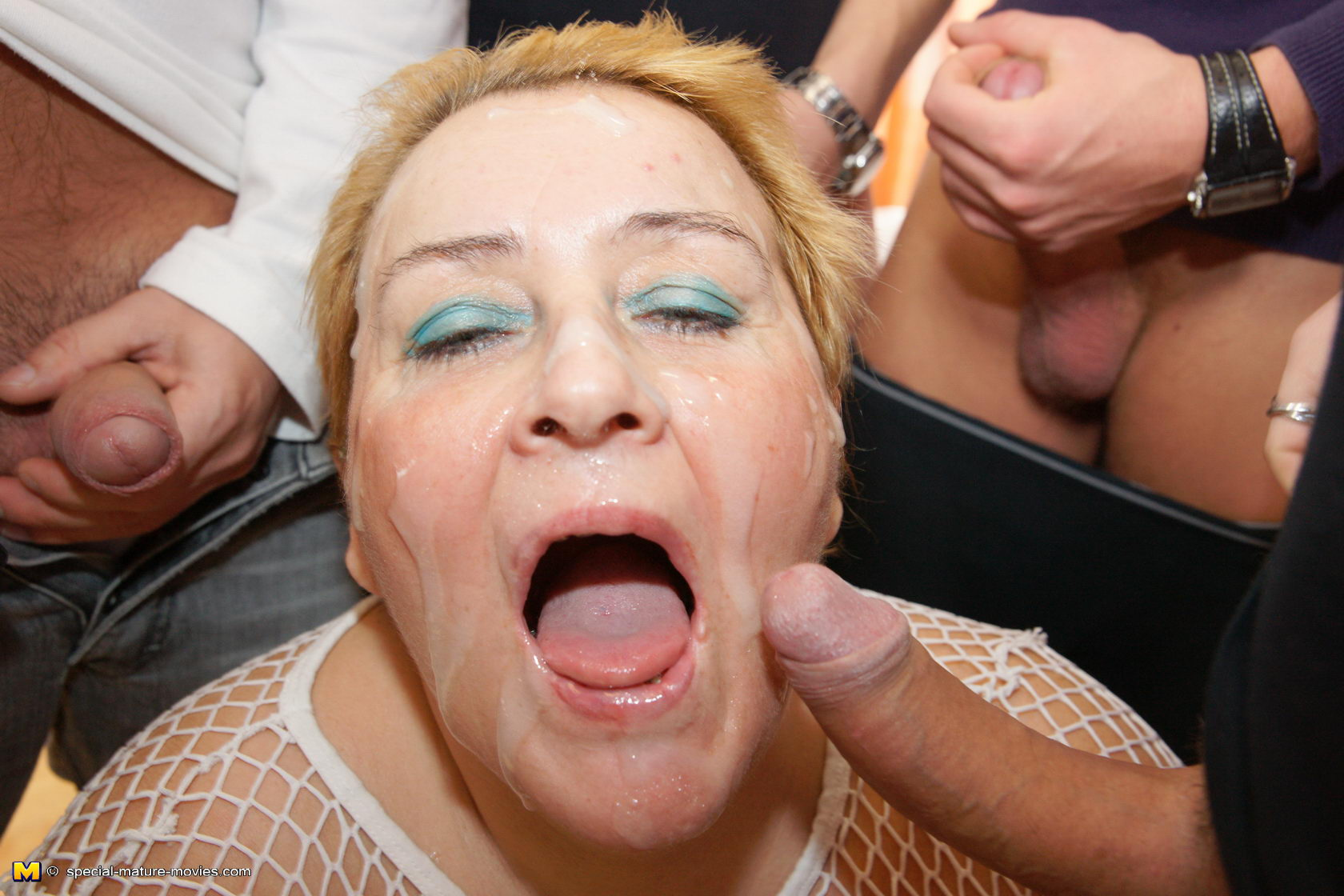 HARDCORE GRANNIES: Kinky mature mama takes on seven guys