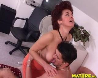 Horny mature slut fucked