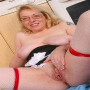 teilrasierte hausfrauenmöse oma sexbilder