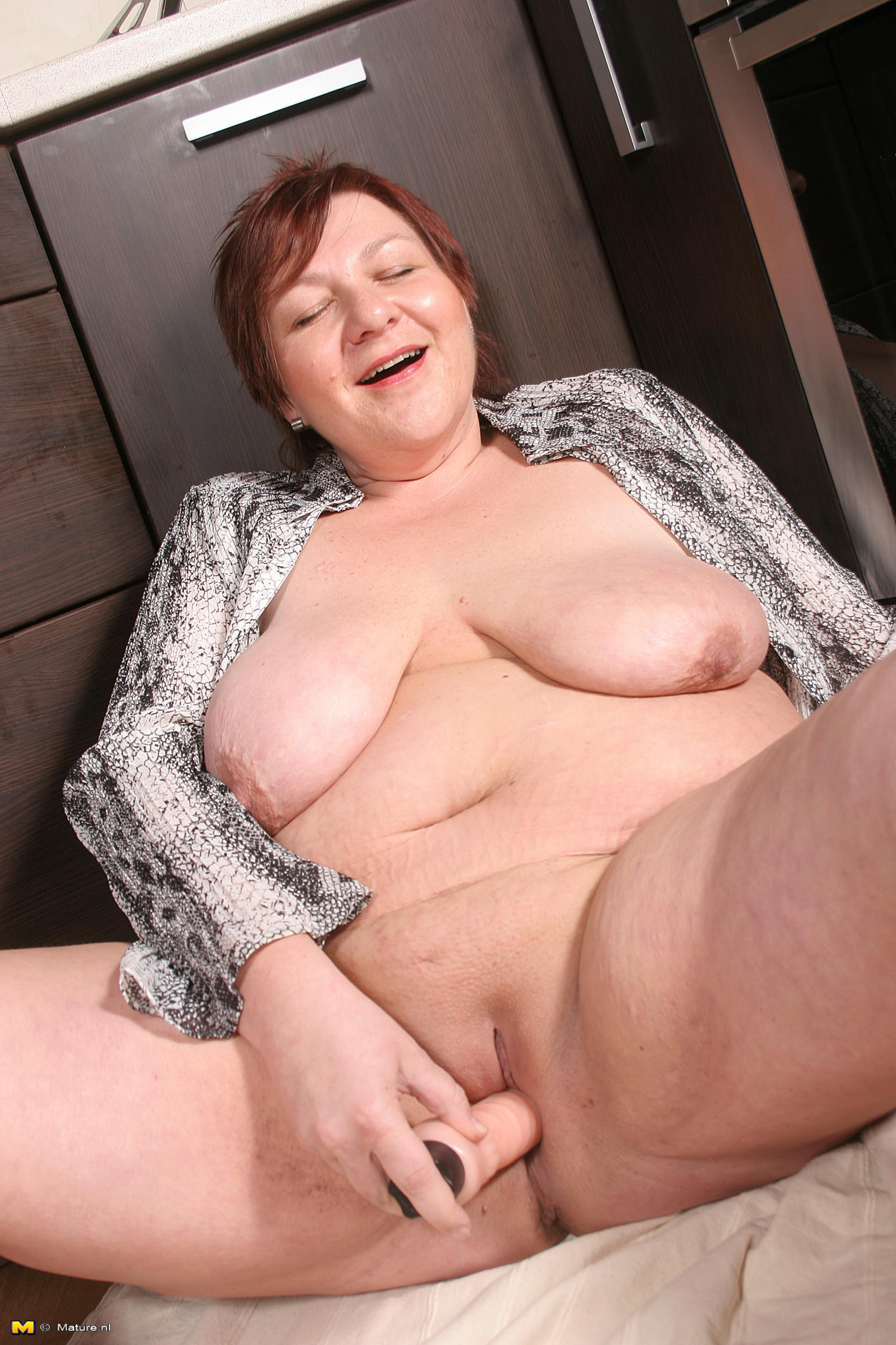 Are Old lady huge pussy