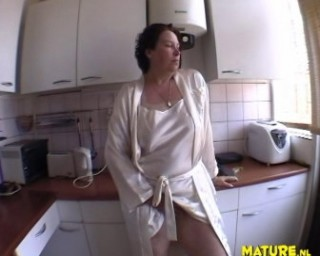 Mature movie slut Free