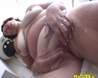 This is one horny chubby mature slut