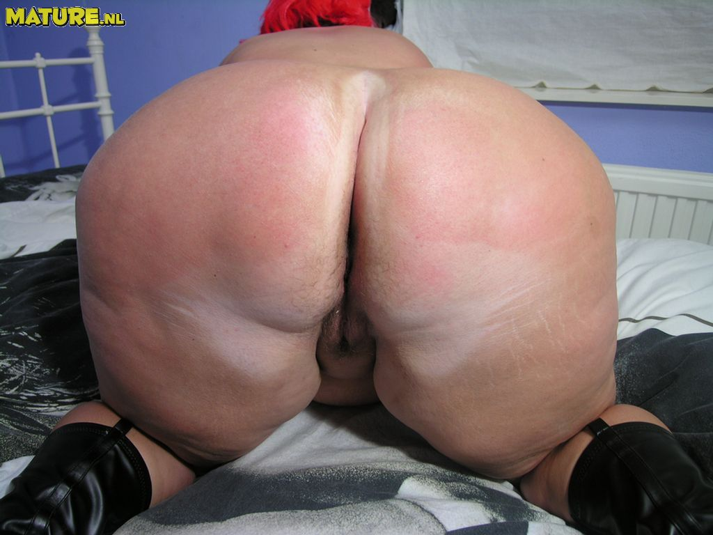Nude wife asses