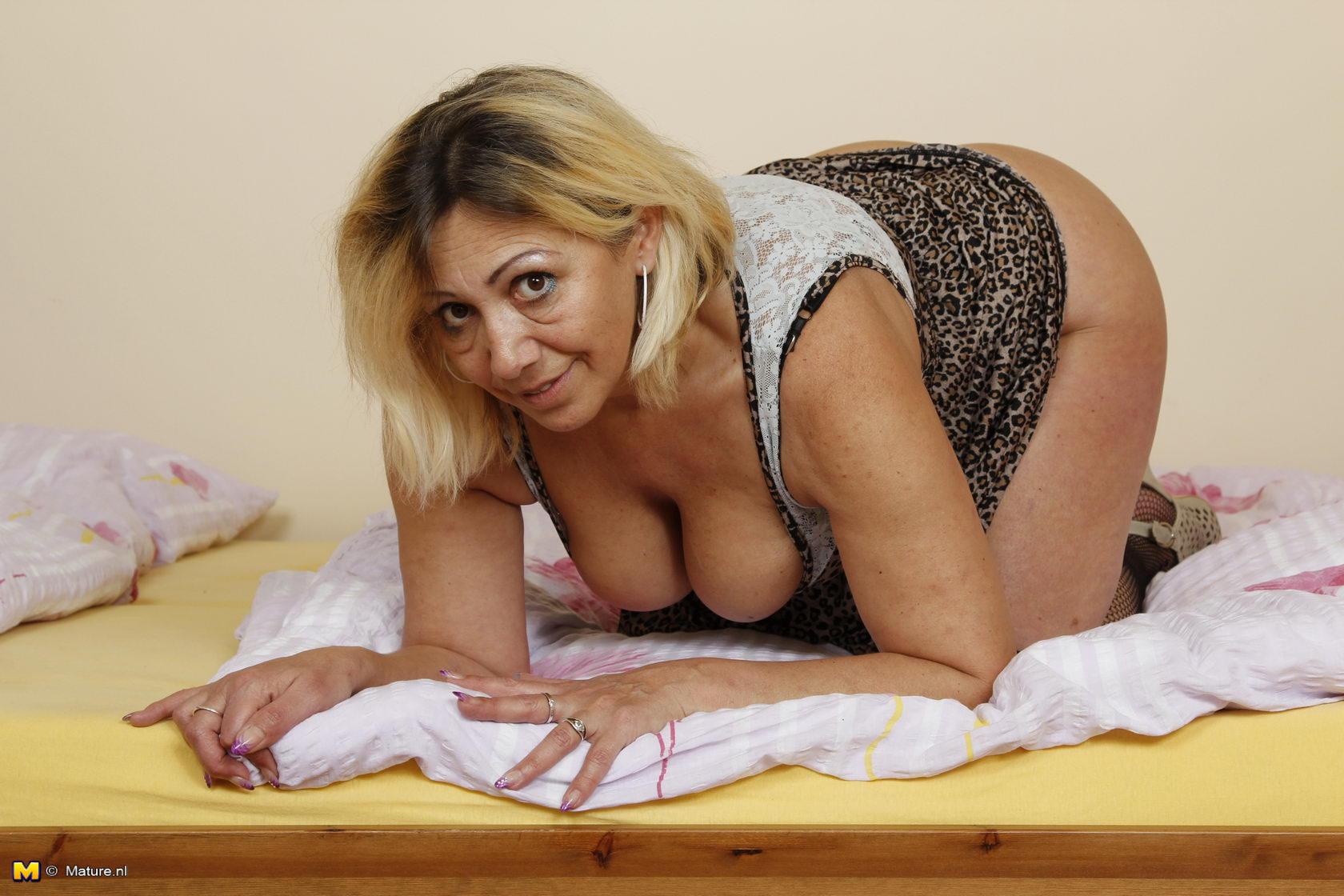 jennifer selling her virginity
