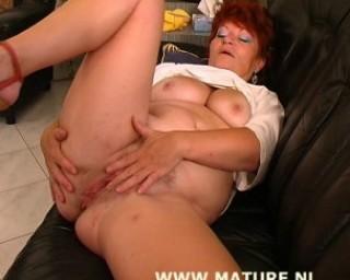 redhead cum eater