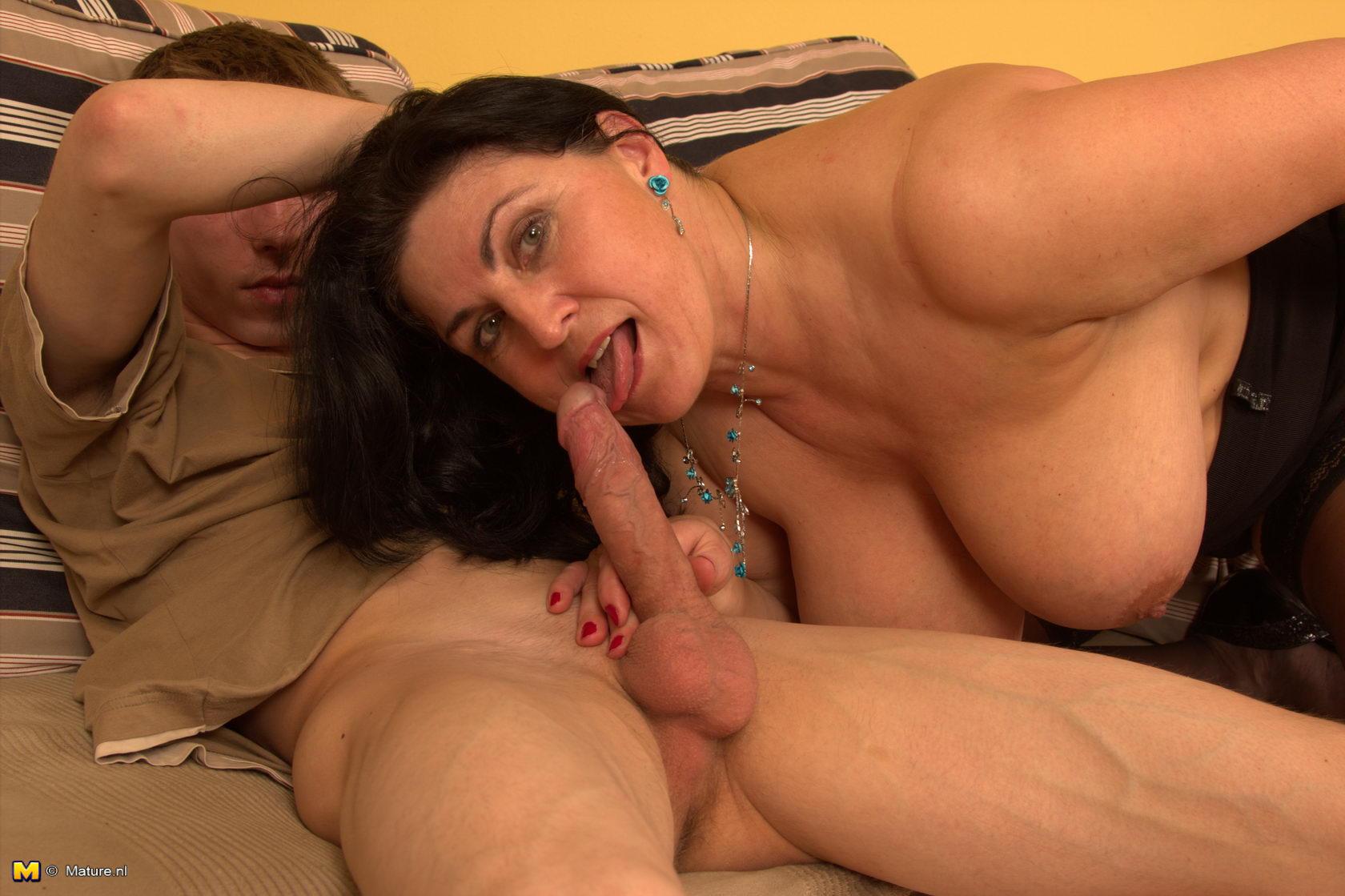 Секс с опытным онлайн 2 фотография