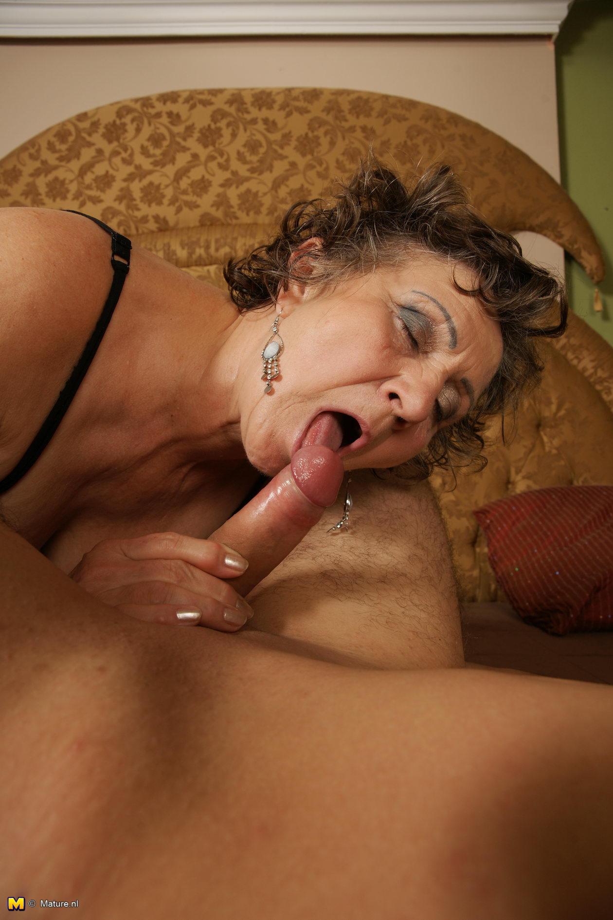 порно онлайн секс с бабкой