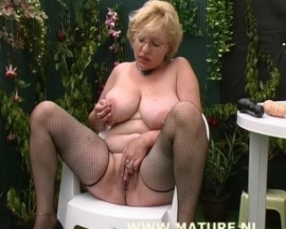 outdoor ugly mature cunt