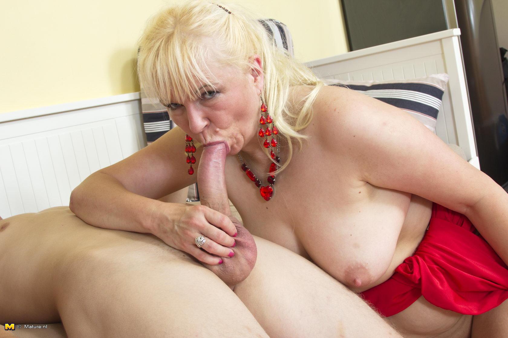 Lesbian milf seduction stories