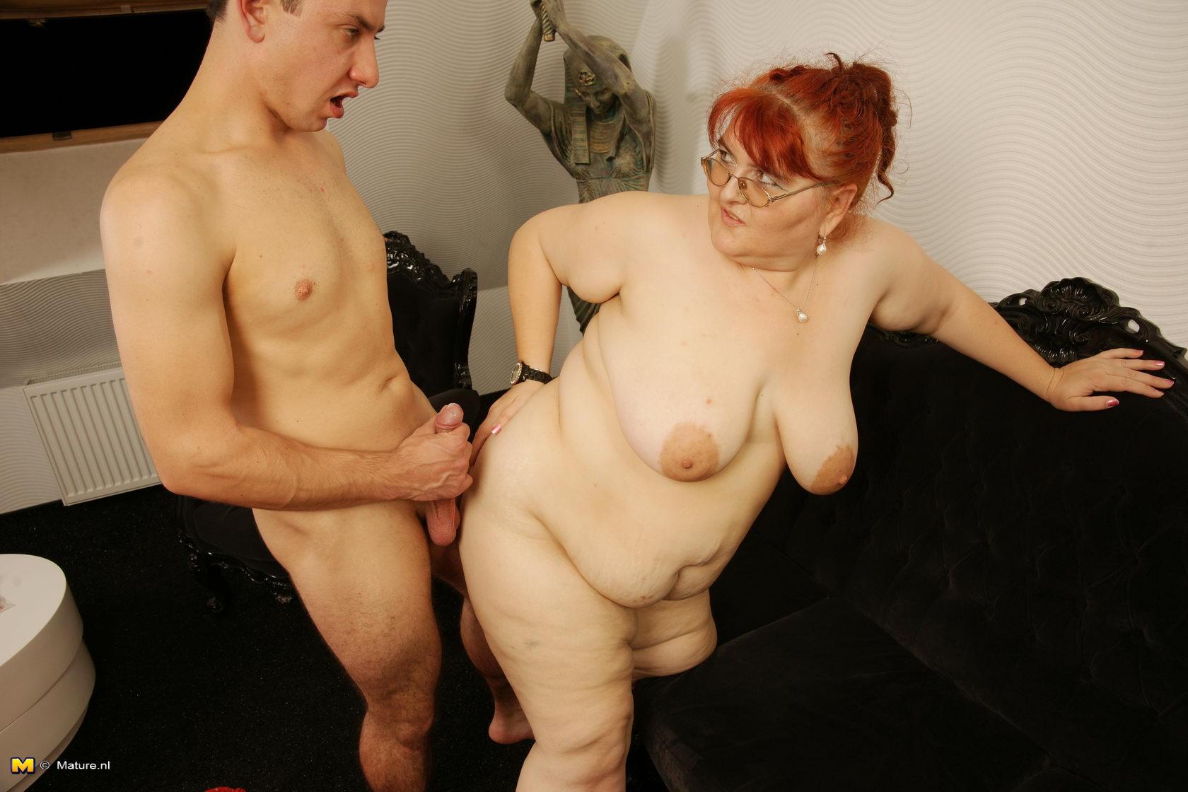 Фото секс патсан с зрелы женшина 14 фотография