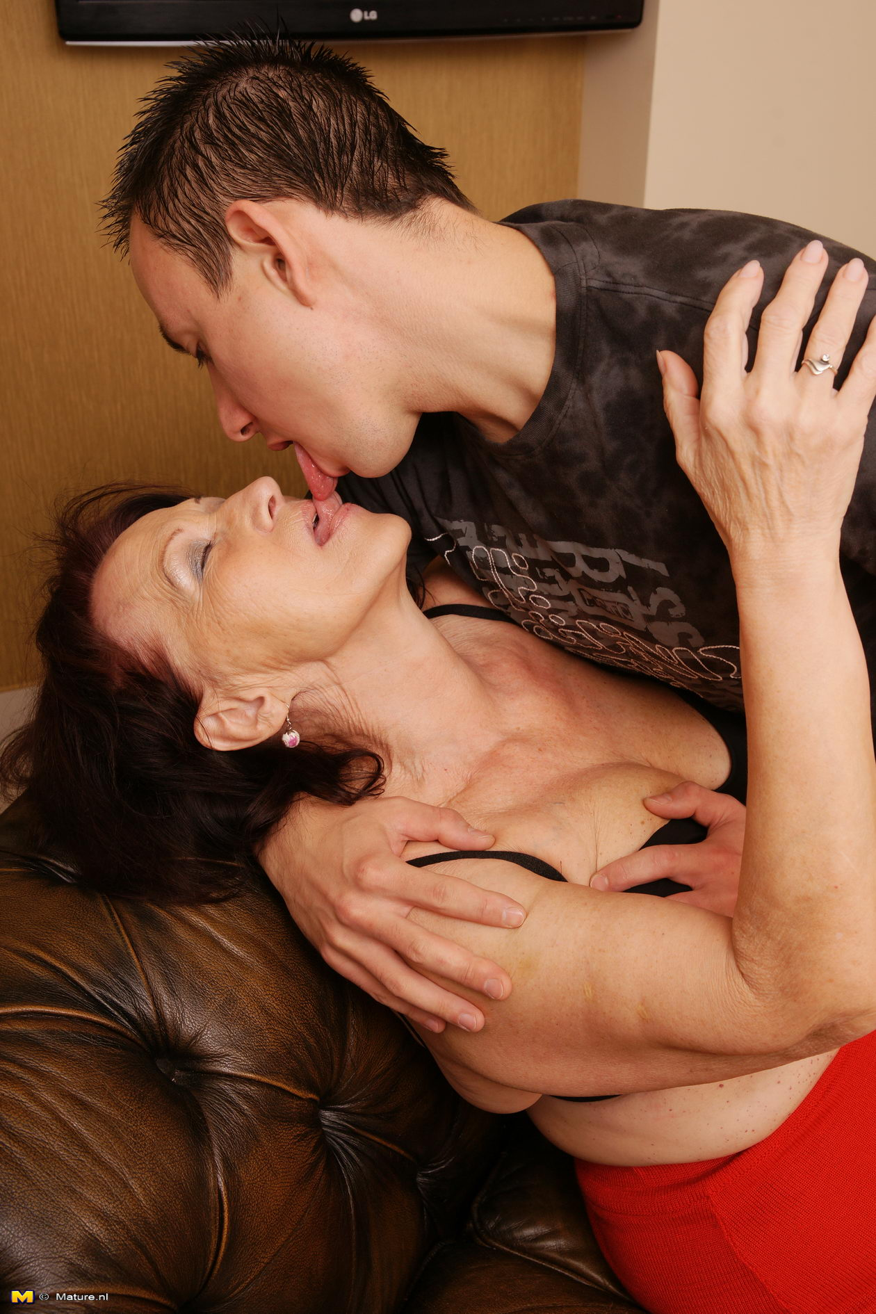 Free milf with boy video