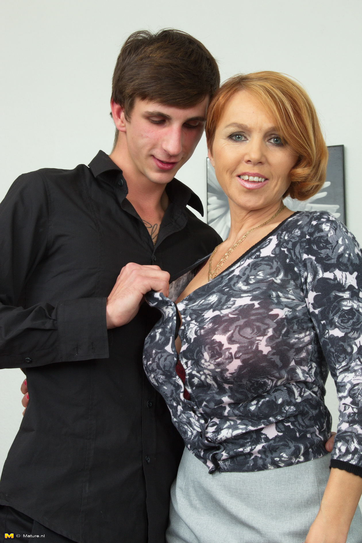 Milf with younger boy on real homemade