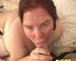 Mature chubby nympho loves the cock
