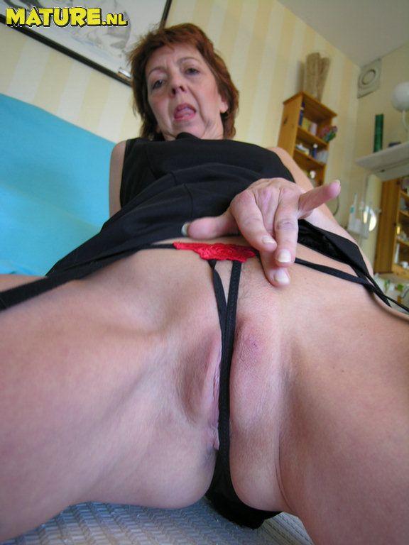 Mature bra and panties