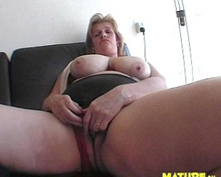 Big titted mature cunt playing with herself