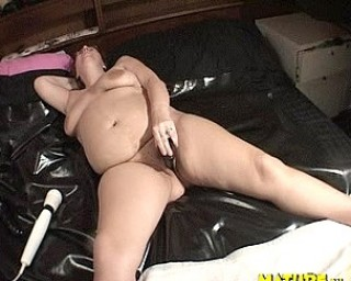 That big ass cunt needs to be filled up