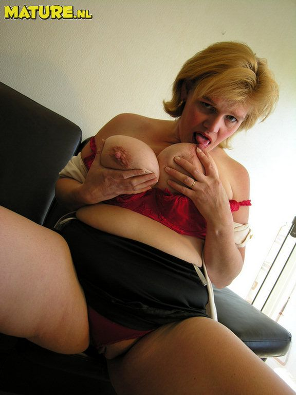 Mature sluts cunt tits pictures