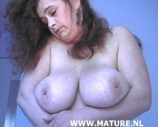 mature big hootered slut fucking and sucking