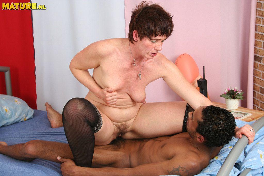 porno-kategorii-zrelie-zhenshini