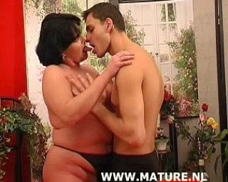 Chubby mature cunt getting some good action