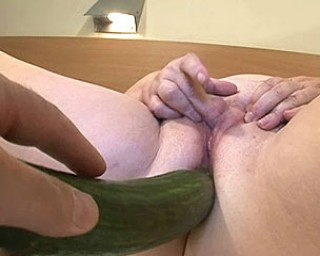 Chubby mature slut playing and sucking