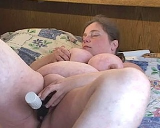 Big tits and a chubby pussy for fun