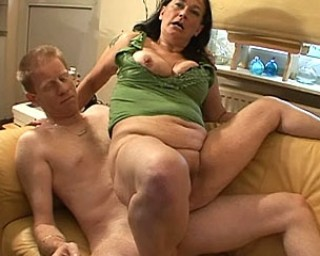 This momma gets a mouth full of cum